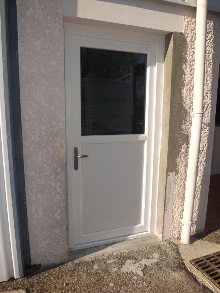 Porte d'entrée PVC  Narrosse