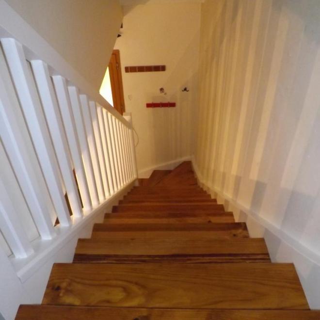 Escalier bi-couleur en pin