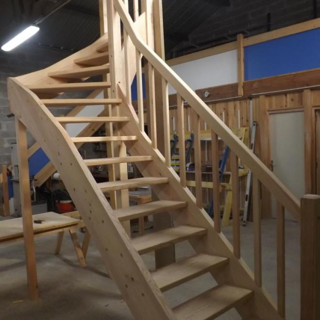 Escalier en cours de fabrication en atelier Absolu Bois