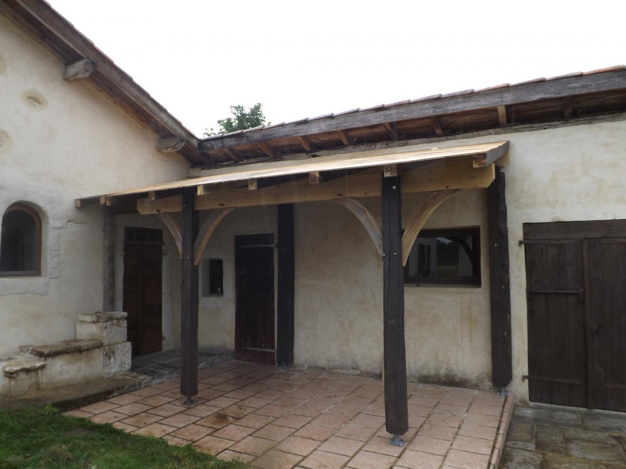 appenti construit avec vieux bois