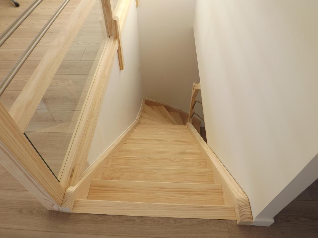 Escalier en lamellé collé pin et tube inox Absolu Bois