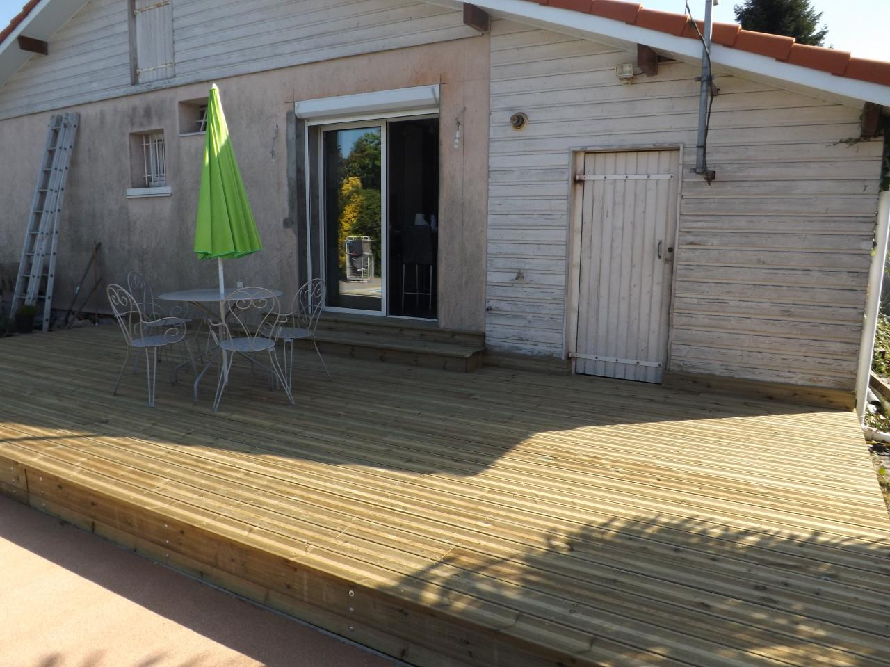 Terrasse en pin traité