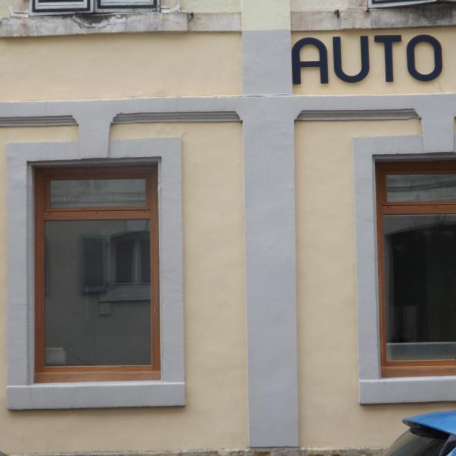 Fenêtre en sipo avec imposte à soufflet sur DAX