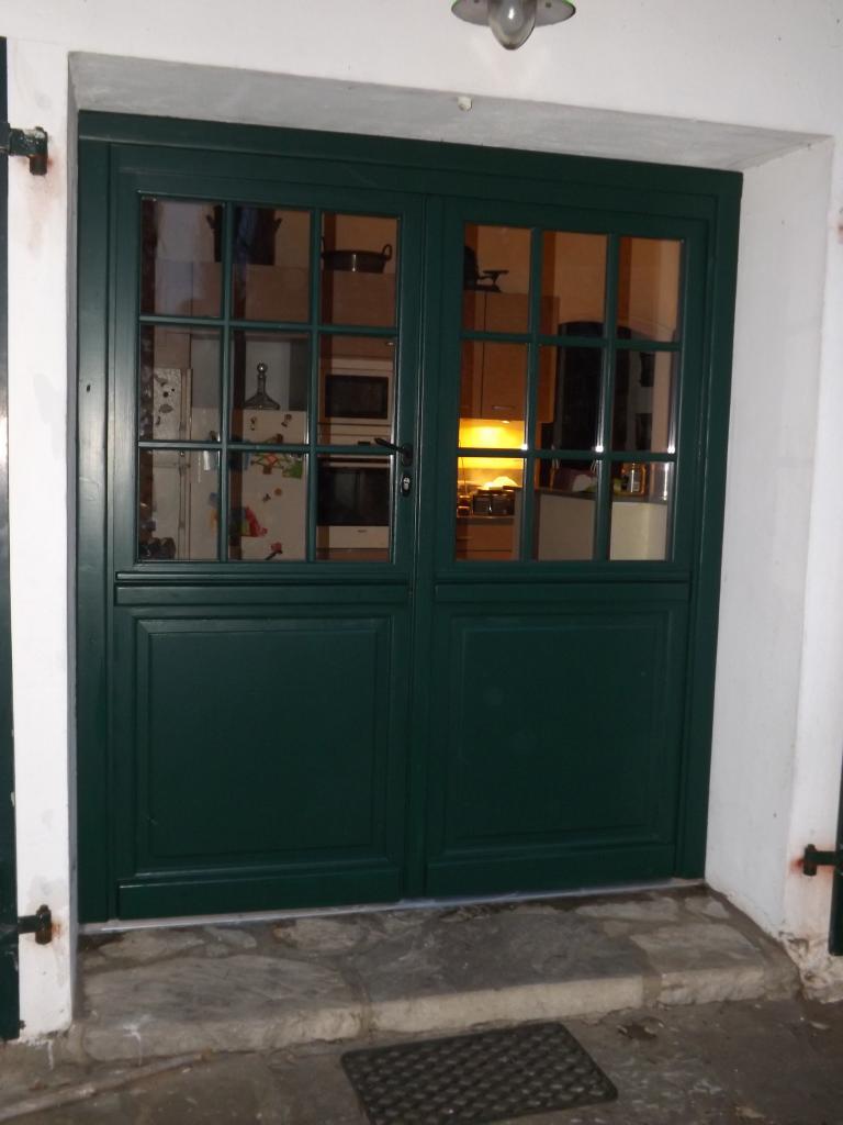 Porte fermière en pin rouge avec petits bois collés