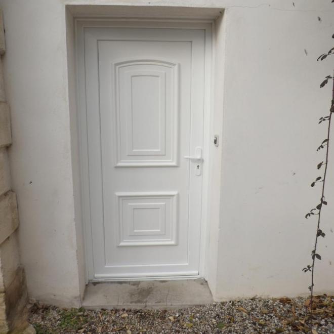 Porte d'entrée PVC de chez SWAO