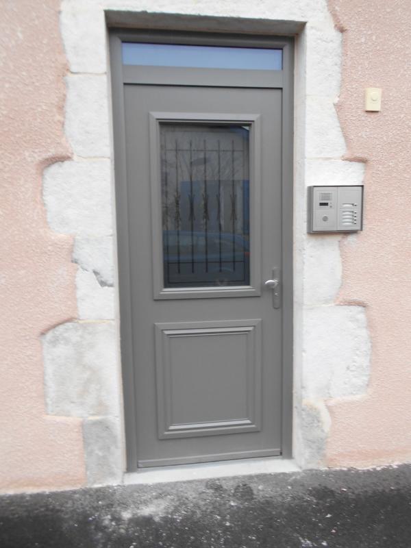 Porte d'entrée Alu modèle Ariane de chez Swao