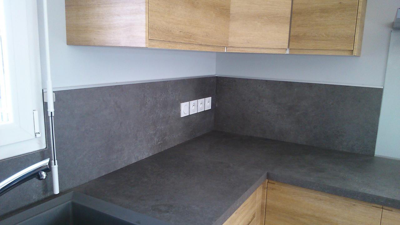 Pose d'une cuisine avec façade en stratifié