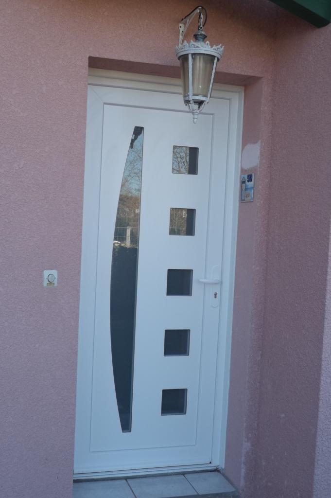 Porte d'entrée en PVC de chez SWAO