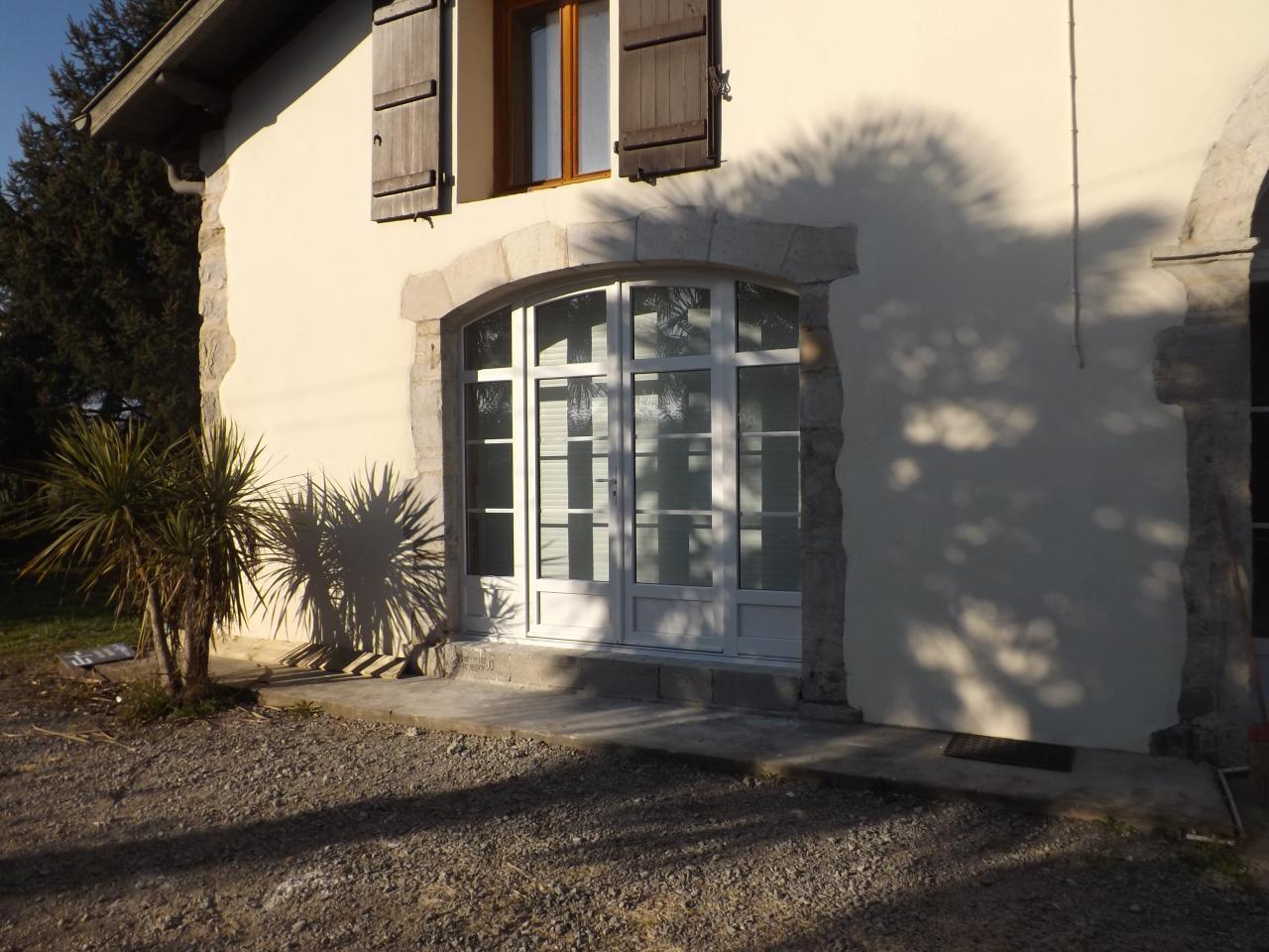 Menuiseries pvc et aluminium for Porte fenetre interieur
