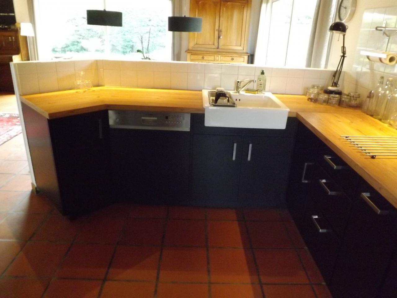 Fabrication d'une cuisine à cadre avec façades en médium laqué Absolu Bois