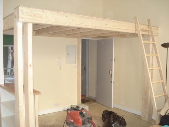 Agencement d'un studio avec pose d'une mezzanine