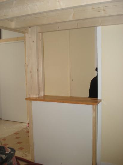 Agencement d'un studio avec pose d'un comptoir