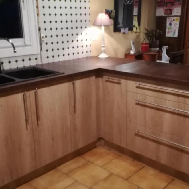 Fabrication et pose d'une cuisine sur Mées