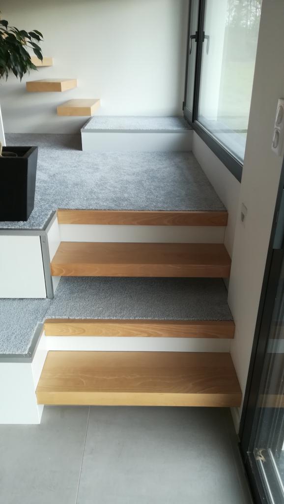 Escalier en hêtre suspendu Absolu Bois