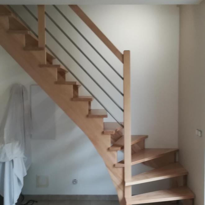 Escalier quart tournant en hêtre sur Narrosse