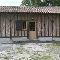 Fabrication et pose de 5 menuiseries en Châtaignier sur  Herm