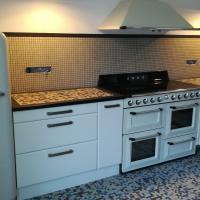 Fabrication et pose d'une cuisine style vintage année 50