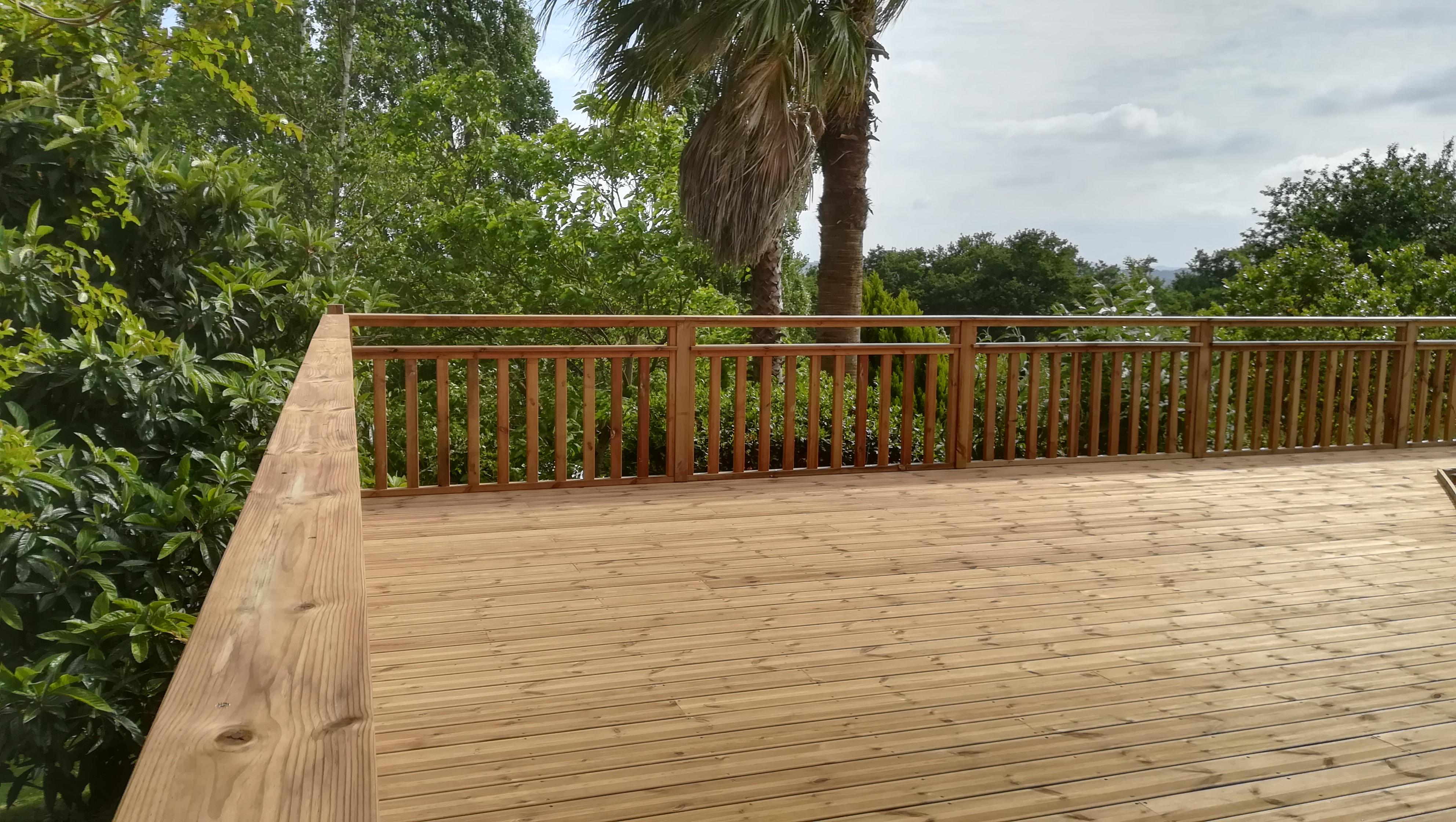 Terrasse Pin sur Cauneille par ABSOLU BOIS MENUISERIE