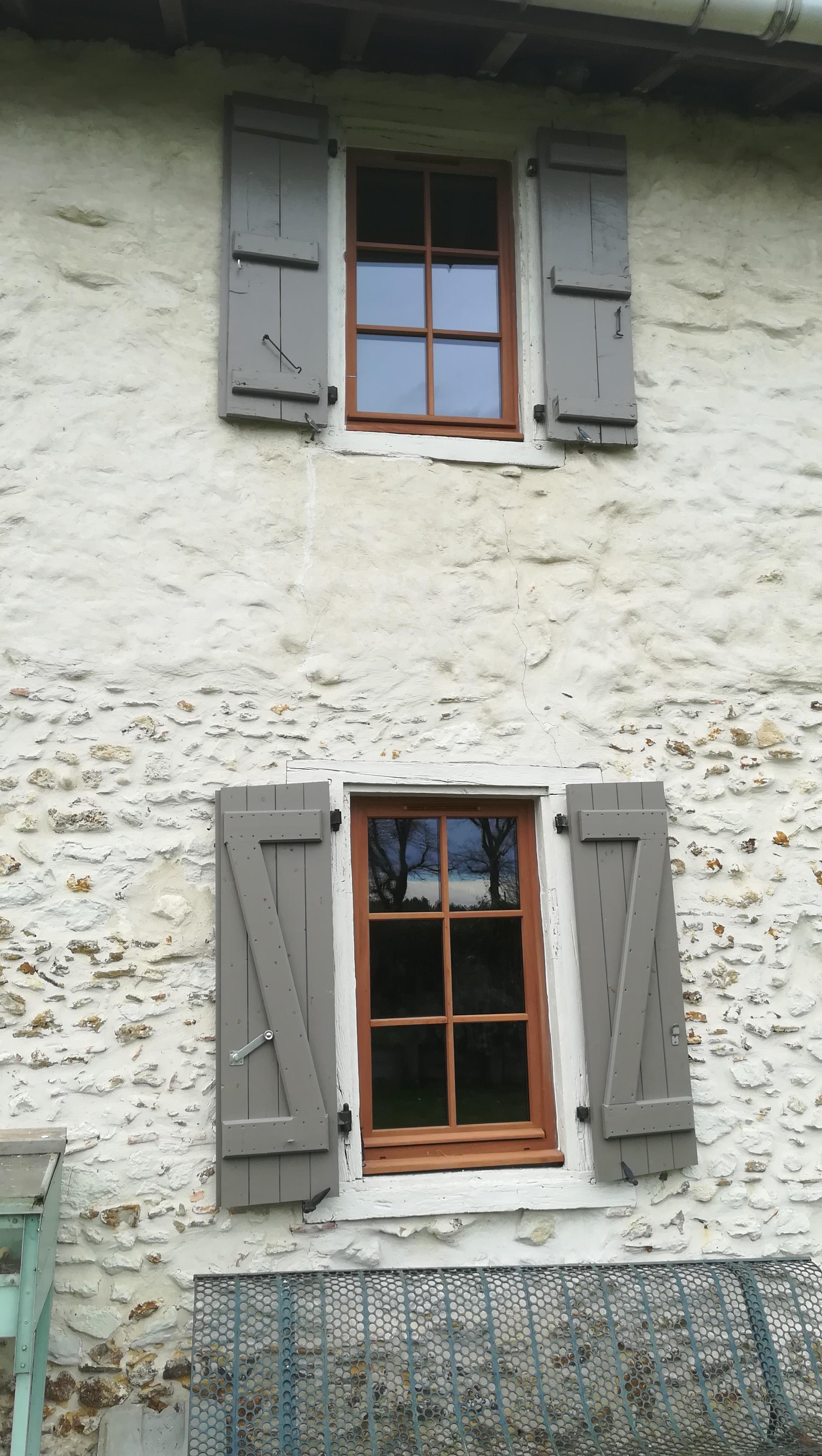Fabrication et pose de 5 fenêtres bois sur Misson
