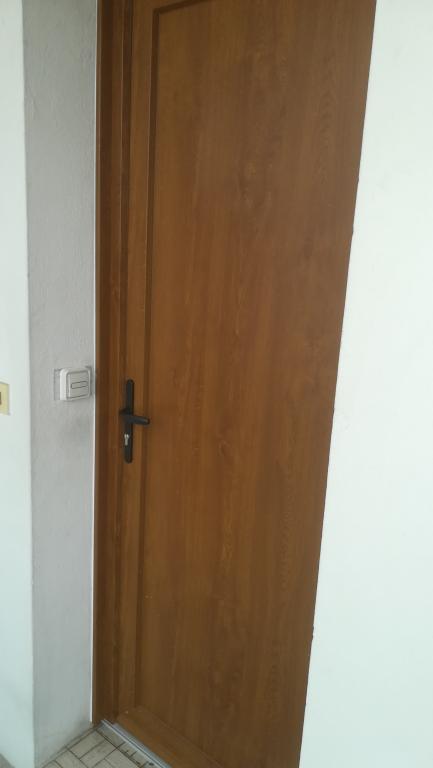 Porte d'entrée en pvc plaxé chêne doré sur Dax - Absolu Bois Menuiserie