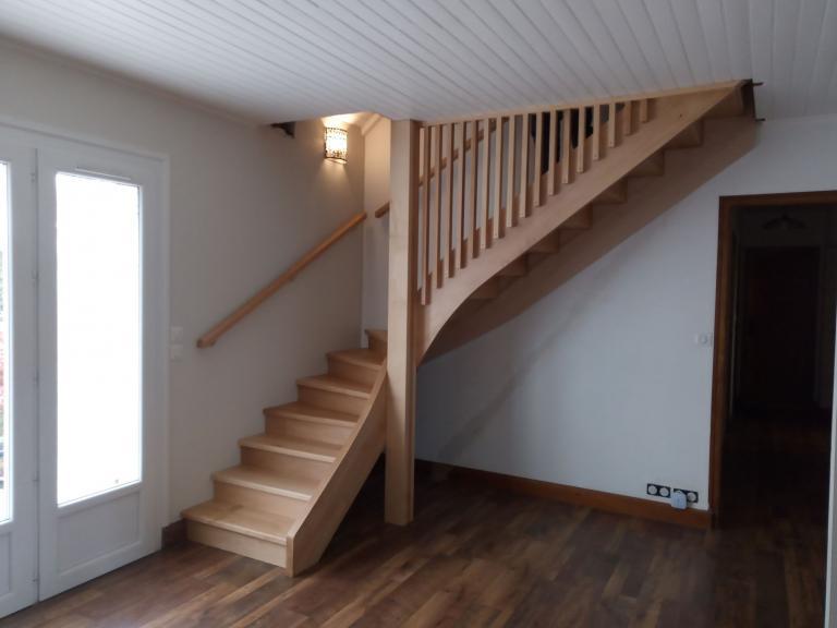 Escalier hêtre 1/4 tournant sur Saugnac et Cambran - Absolu Bois Menuiserie