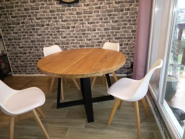 Table ronde en chêne