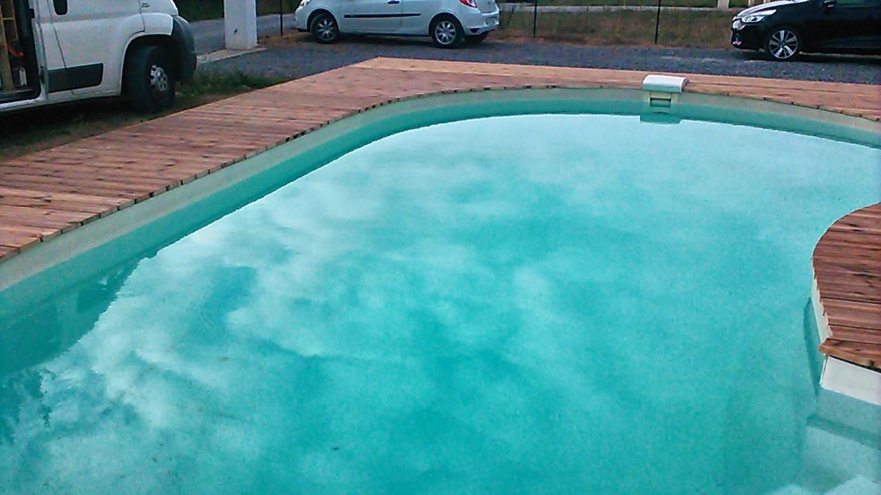 Terrasse contour piscine en pin traité classe IV marron sur PORT DE LANNE
