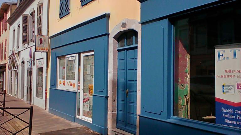 Agencement de 2 façades magasin sur PAU
