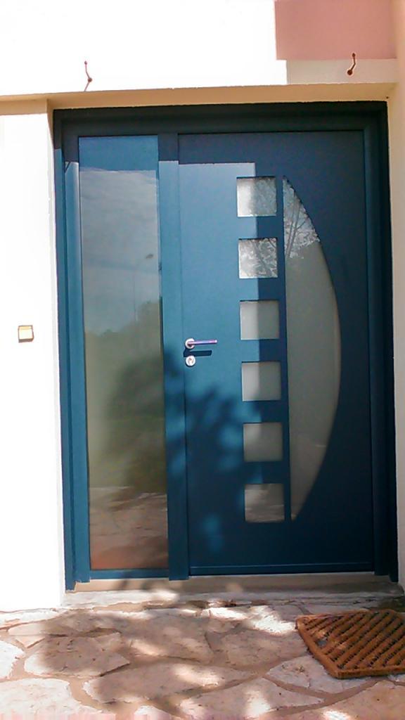 Porte d'entrée en alu modèle Party de chez SWAO sur LEON