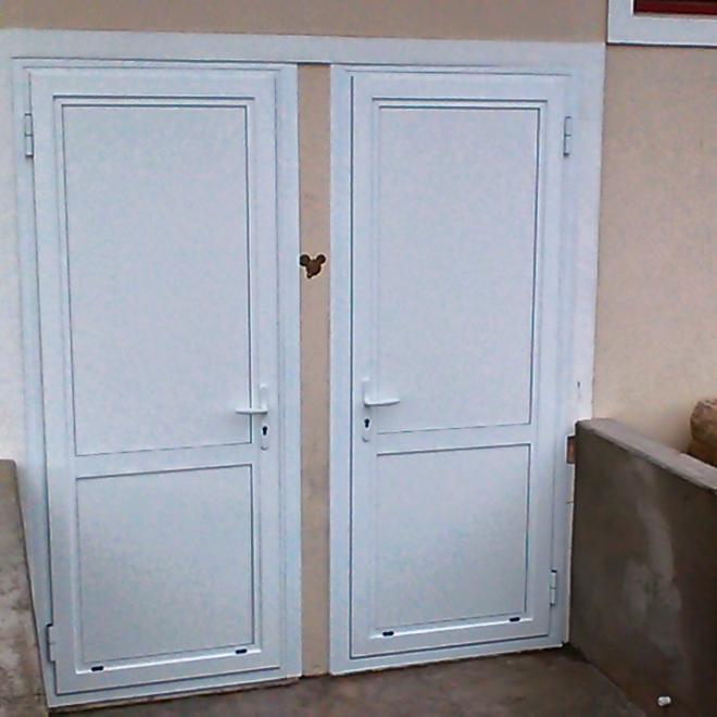 Porte technique en aluminium stade de rugby LABATUT